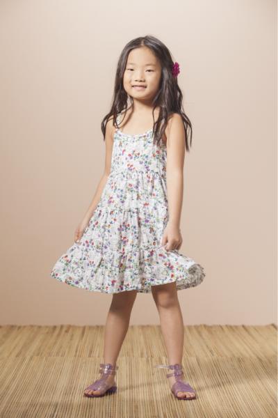 vestido con flores Nucleo Nenas primavera verano 2015