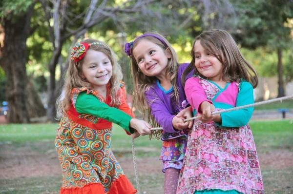 ropa estampas coloridas nenas otoño invierno 2015 Zukutrule