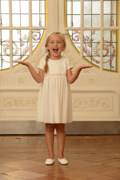 vestido nena color crudo - Magdalena Esposito invierno 2016