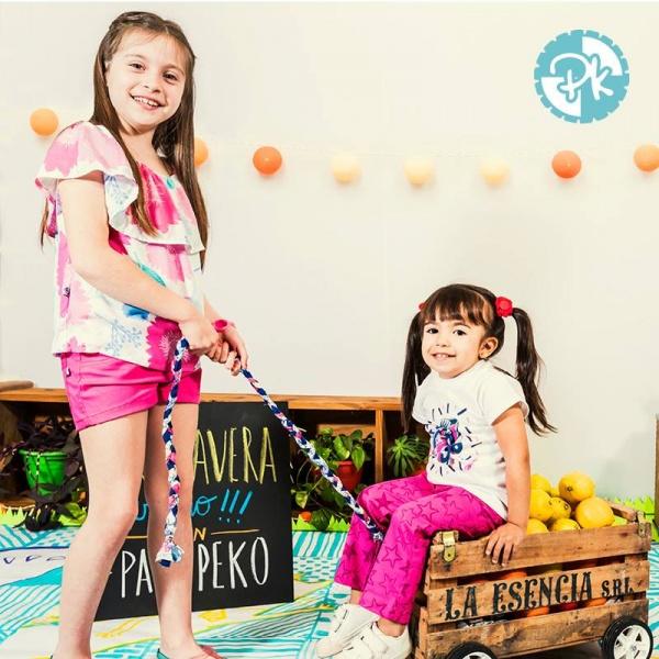 blusa con volado en escote pantalon estampa estrella niñas Pako Peko primavera verano 2018
