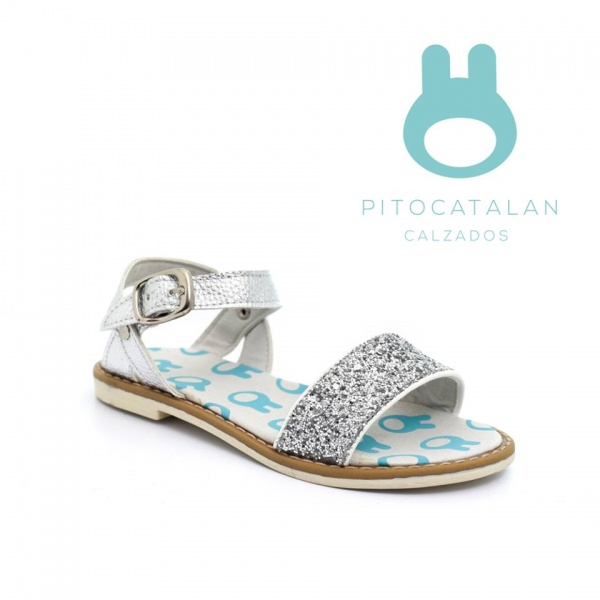 sandalia con tira plateada Pitocatalan calzado para chicos primavera verano 2018