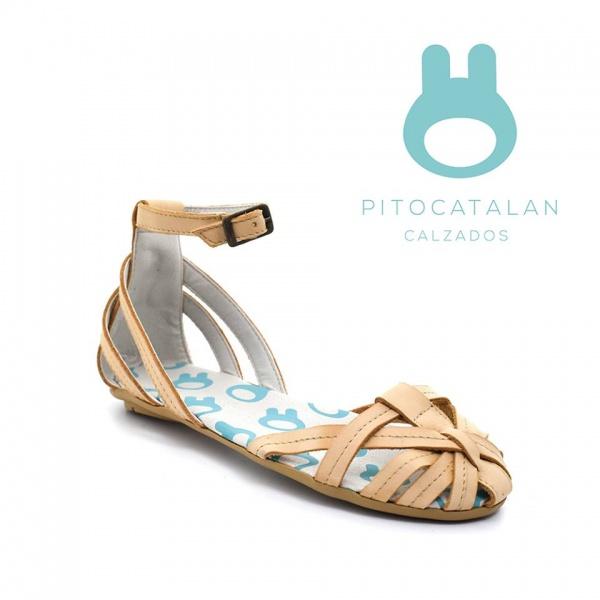sandalia de cuero con tira en las puntas y pulsera Pitocatalan calzado para chicos primavera verano 2018