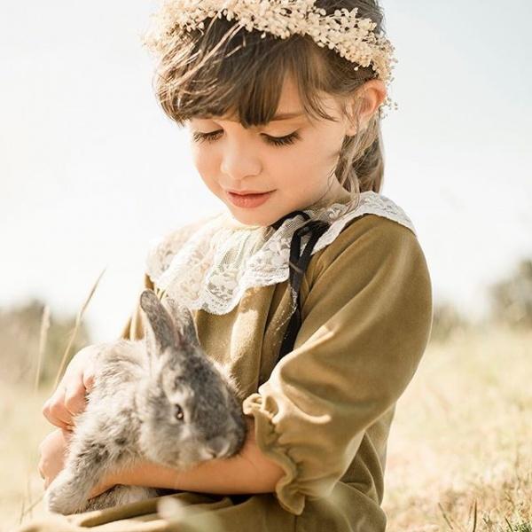 blusa niña con cuello de puntilla pioppa otoño invierno 2018