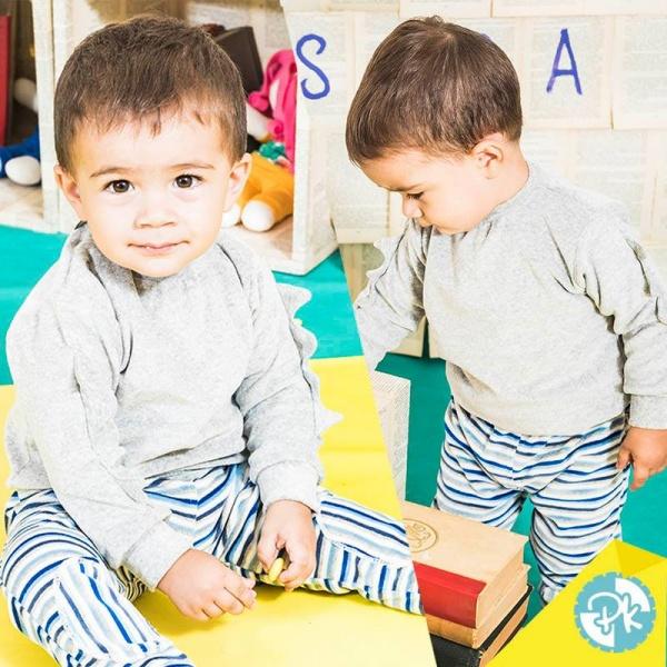pantalon plush a rayas y buzo gris bebe Pako peko otoño invierno 2018