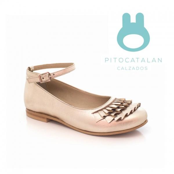 zapato de cuero con voladitos para niñas Pitocatalan otoño invierno 2018