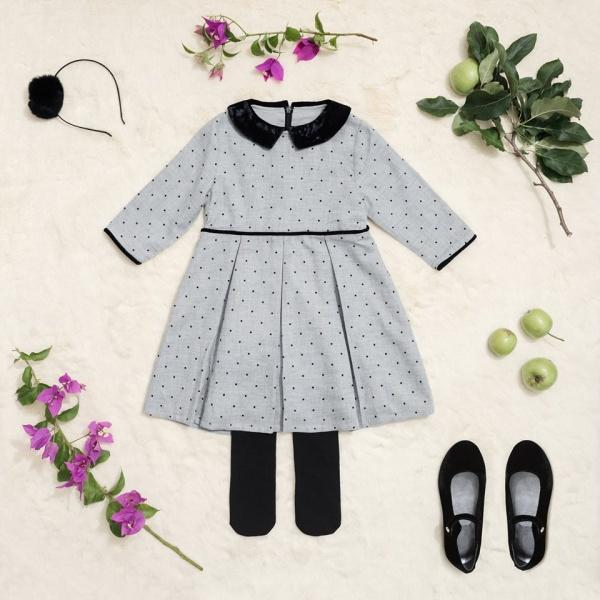 vestido corto tableado mangas largas Little Akiabara invierno 2018