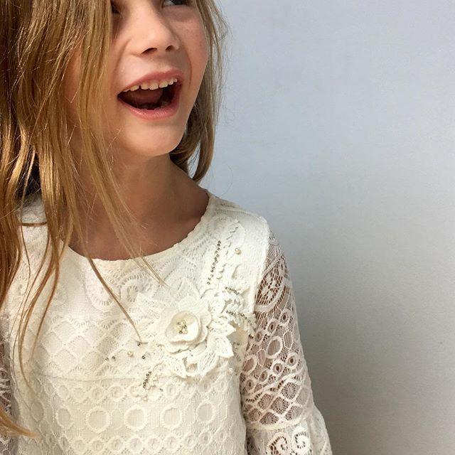detalles para vestidos de fiesta nena Gro otoño invierno 2018