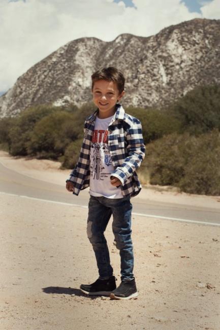 jeans rotos camisa a cuadros niño Gimos invierno 2018