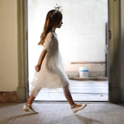 vestido blanco mangas cortas niña Gro otoño invierno 2018