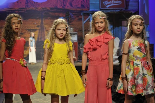 Moda vestidos niг±a primavera verano