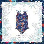 malla azul estampa tropical niña Madrehijas swim suits verano 2019