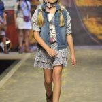 minifalda con volados floreada niña moda verano 2019