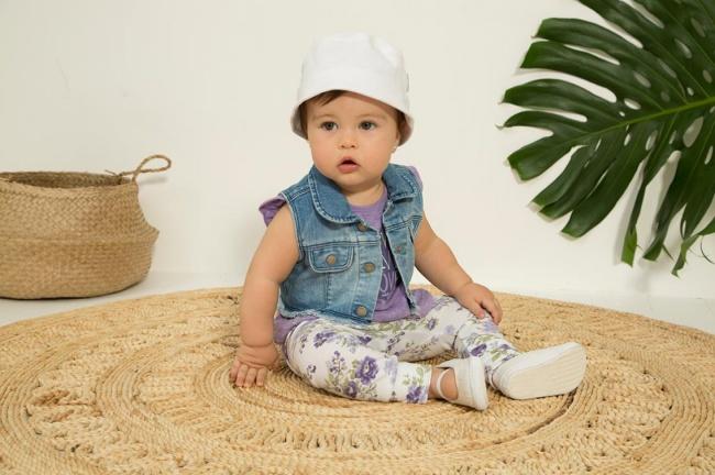 calza floreada chaleco jeans beba minimimo co Verano 2019