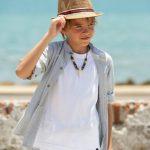 look niños fiesta en la playa jeans blanco Mimo Co Junior verano 2019