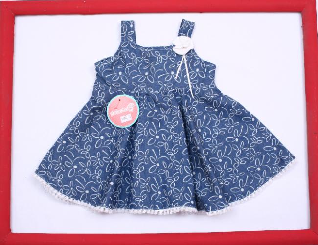 c1849f50a vestido azul con flores blancas para beba Solcito primavera verano 2019