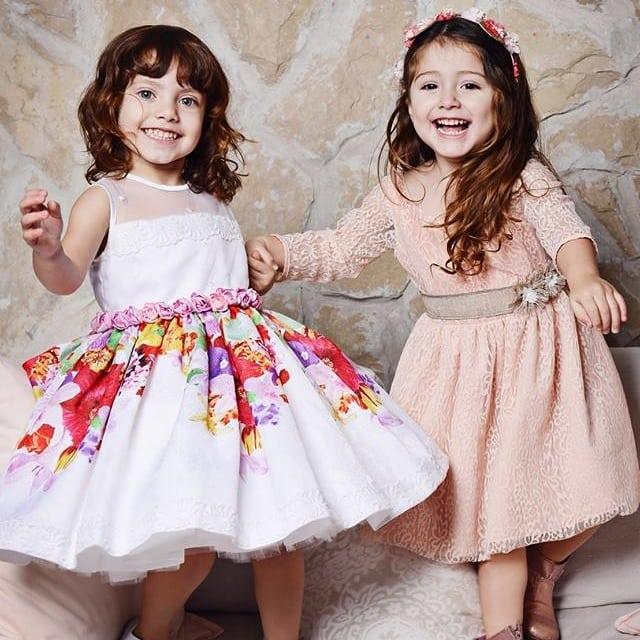 vestido de fiesta blanco con estampa Girls Boutique verano 2019