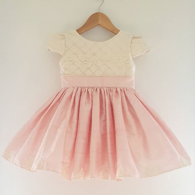 vestido de fiesta para niña top blanco falda rosa Girls Boutique verano 2019