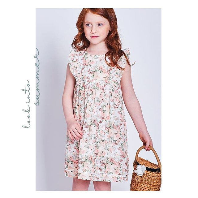 vestido estampa estilo raomantico para niñas Anavana primavera verano 2019