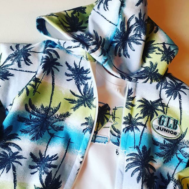 campera tropical para nenes Globito team verano 2019