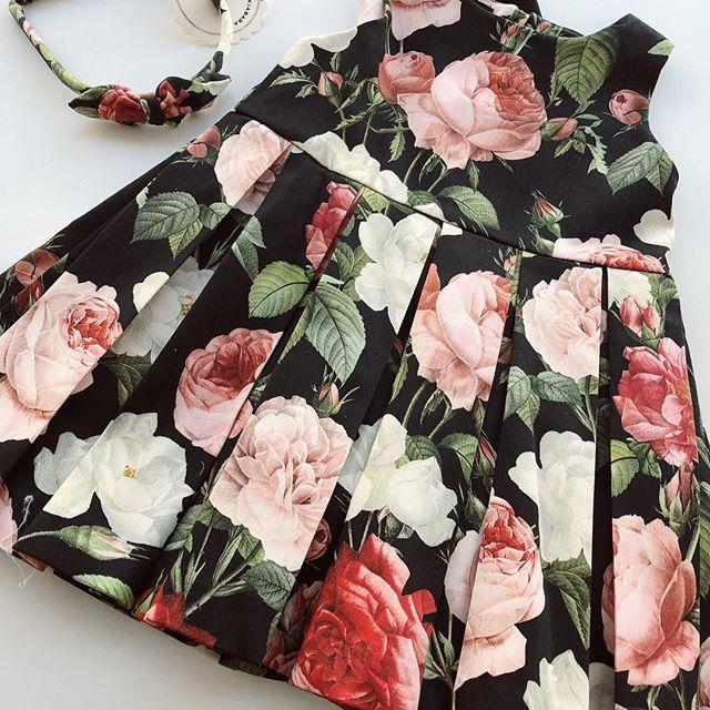 vestido negro con rosas beba Little akiabara verano 2019