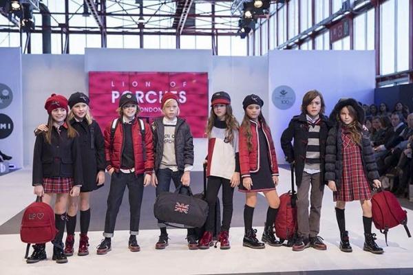 moda urbana estilo colegial chicos invierno 2019