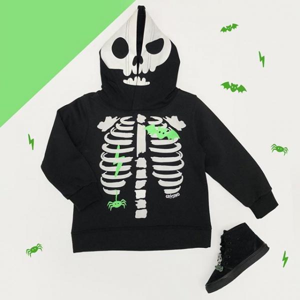 buzo-on-capucha-de-esqueleto-grisino-invierno-2019