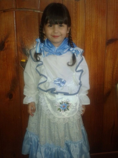 disfraz-de-paisana-para-niña-25-de-mayo