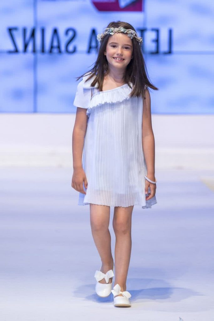 Vestido-de-microtul-niña-celeste-verano-2020-1