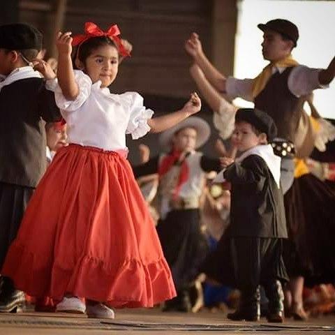 niña-bailando-la-chacarera