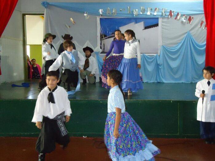 niños-bailando-la-chacarera