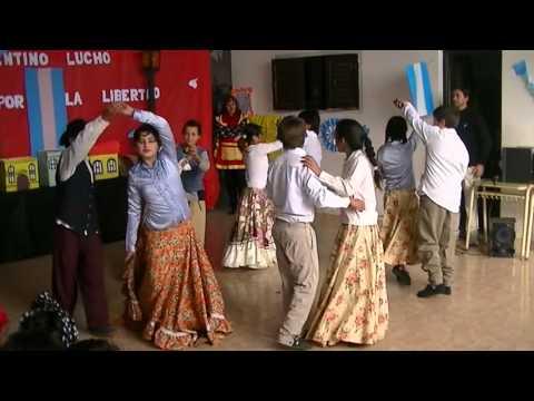 niños-bailando-zamba