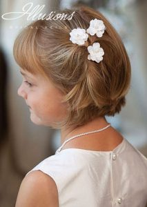 peinado-fiesta-comunion-niña-con-pelo-corto