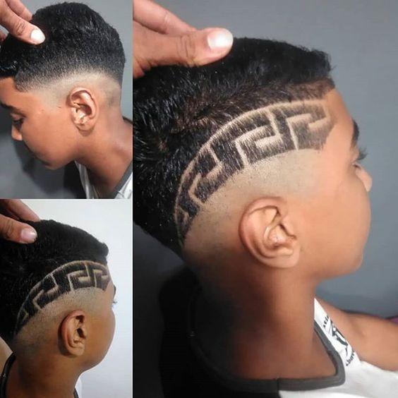 rapado-diseño-etnico-corte-moderno-de-pelo-para-niños