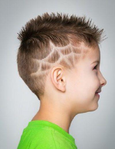 rapado-marca-tela-araña-corte-moderno-de-pelo-para-niños