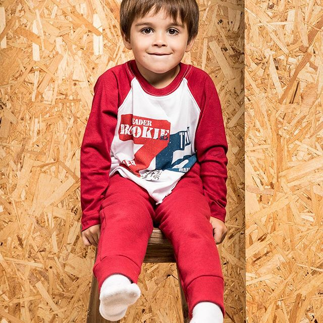 remeras-mangas-largas-y-pantalon-jogging-niño-Coffee-Baby-kids-invierno-2019