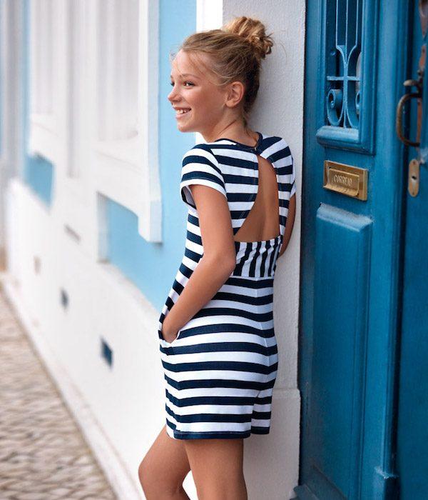 vestido-a-rayas-azules-niña-verano-2020
