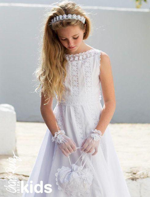 vestido-blanco-con-puntilla-de-niña-para-comunion