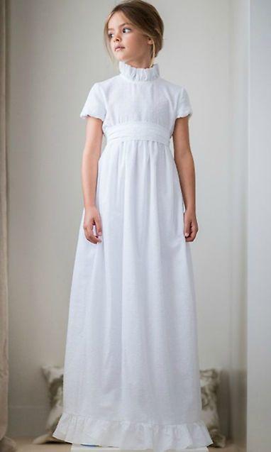 vestido-blanco-cuello-alto-y-mangas-cortas-de-niña-para-comunion