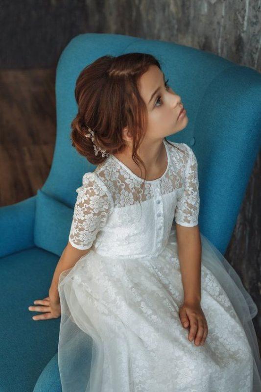 vestido-blanco-de-encaje-mangas-cortas-de-niña-para-comunion