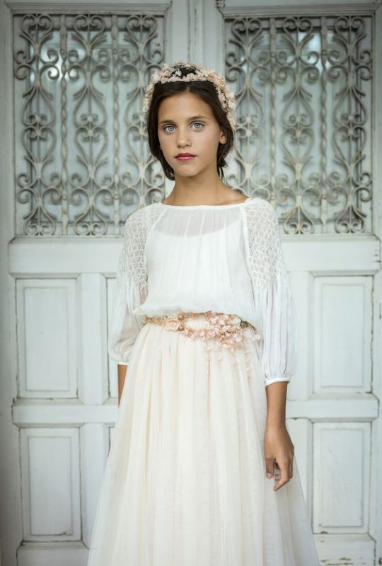 vestido-blanco-de-niña-estilo-tunica-para-comunion