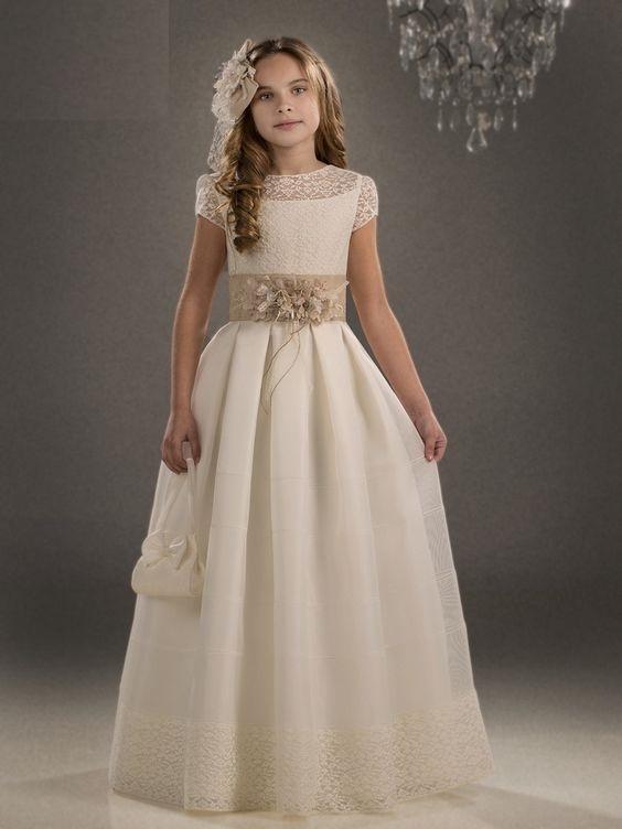 vestido-blanco-elegante-de-niña-para-comunion