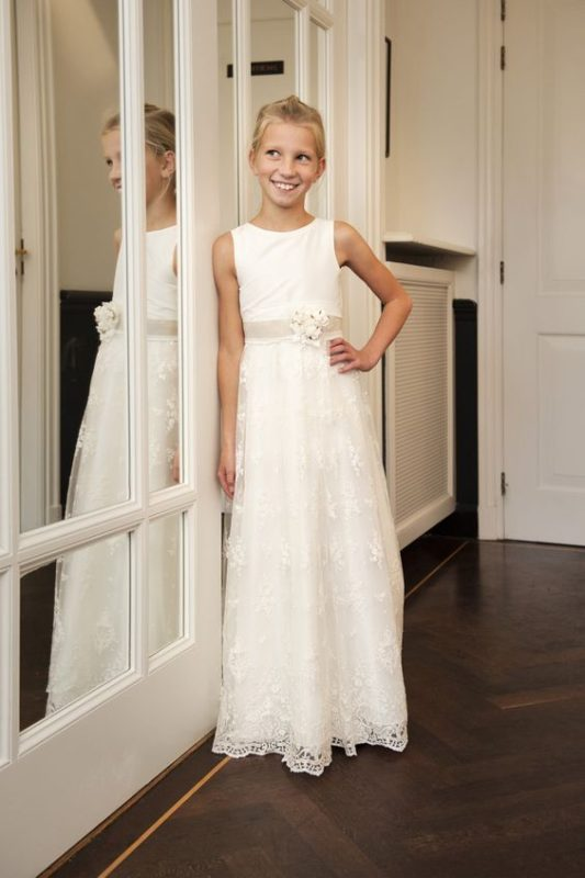 vestido-de-encaje-blanco-de-niña-para-comunion-