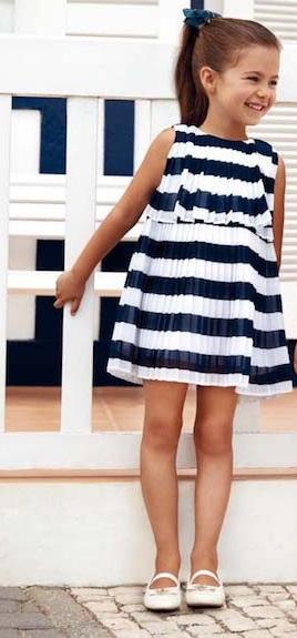 vestido-para-fiesta-a-rayas-niña-tela-plisada-verano-2020