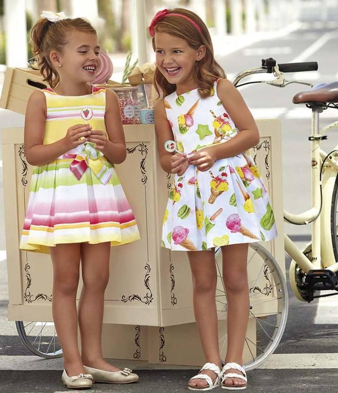 vestidos-para-fiestas-estampados-niñas-verano-2020