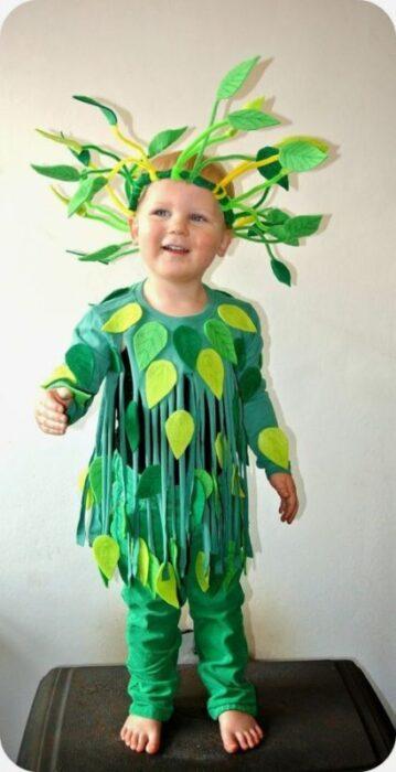 disfraz-de-arbusto-para-niños