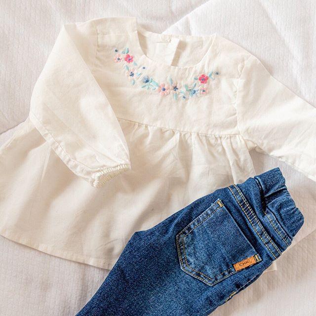 blusa-y-jeans-beba-bordada-bebes-Cheeky-primavera-verano-2020