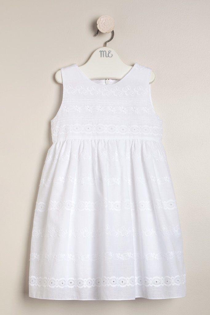 vestido-blanco-con-puntillas-bebas-y-niñas-magdalena-esposito-verano-2020