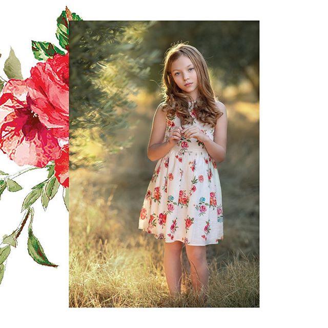 vestido-niña-blanco-con-flores-rojas-Magdalena-esposito-verano-2020