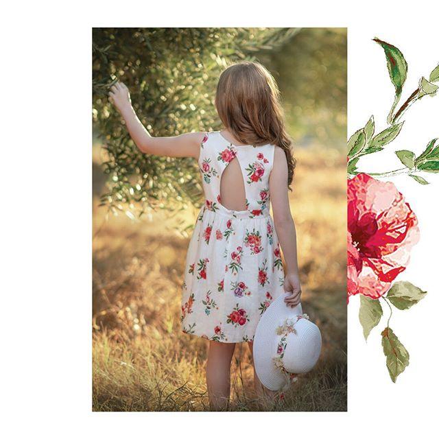 vestido-niña-con-corte-en-espalda-Magdalena-esposito-verano-2020
