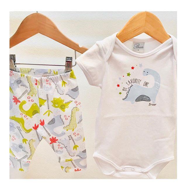 body-y-pantalon-dinosaurio-para-bebes-Broer-primavera-verano-2020